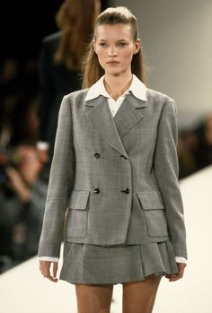 "midnight-charm: ""Kate Moss at Isaac Mizrahi Spring / Summer 1994 "" 90s Fashion, Love Fashion, Runway Fashion, Fashion Models, High Fashion, Vintage Fashion, Fashion Outfits, Fashion Trends, Latest Fashion"