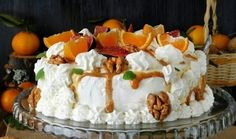 Изумительный торт с очень интересными ингредиентами. Они вас удивят и приятно порадуют своими вкусами.