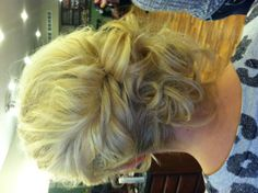 @Ashleigh {bee in our bonnet} {bee in our bonnet} Jones - bridesmaid hair?