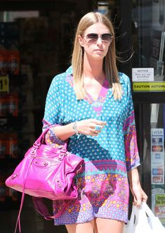 The Many Bags of Nicky Hilton-28