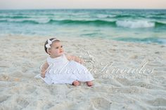 Cute beach baby photo.. We are doing this in April.. sooo cute.. can't wait!!