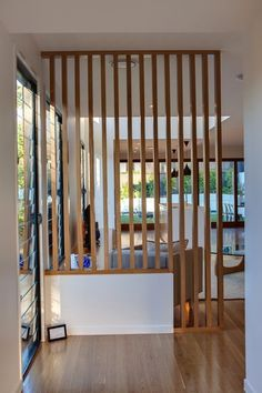 Home Interior Boho Clever screening idea for open spaces from Kalka Homes in Brisbane.Home Interior Boho Clever screening idea for open spaces from Kalka Homes in Brisbane Living Room Partition Design, Living Room Divider, Room Partition Designs, Wood Partition, Partition Ideas, Room Divider Bookcase, Room Deviders, Display Homes, Home Builders