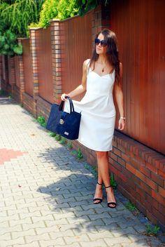 http://www.izusiowa.com/2014/07/biala-sukienka-z-krepy-krepa-hitem.html 2014-burda-5-109
