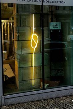 Leuchtseil 2,70m mir Magnethalterung Berlin, Neon Signs, Decor, Water Tap, Magnets, Knots, Light Fixtures, Decoration, Decorating