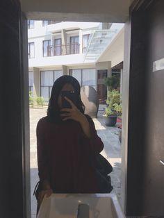 fllw me - Argoratta Niqab Fashion, Street Hijab Fashion, Fashion Killa, Fashion Outfits, Hijab Makeup, Girl Hiding Face, Whatsapp Wallpaper, Casual Hijab Outfit, Muslim Hijab
