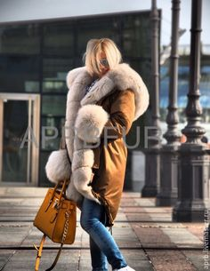 totally awesome fur lined parka Fur Lined Coat, Fur Coat, Fur Fashion, Autumn Fashion, Fabulous Fox, Totally Awesome, Fur Collars, Fox Fur, Furs