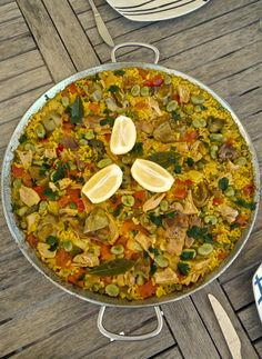 Where can you try the best Spanish food and drinks? Anyone going to Spain who wants to taste the delicious typical Spanish meals and tapas can choose betwe Best Spanish Food, Serrano Ham, Spanish Kitchen, Big Salad, People Eating, Grilled Meat, Home Recipes, Recipe Of The Day, Paella