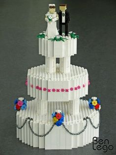 A LEGO wedding cake because my parents are today 25 years married. Geek Wedding, Wedding Ideas, Wedding Stuff, Dream Wedding, Lego Wedding Cakes, Pool Cake, Lego Valentines, Lego Sculptures, Lego For Kids