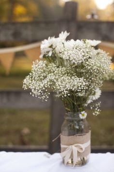 Mason jar wedding centerpiece Baby's breath WILL be all around my wedding. Trendy Wedding, Diy Wedding, Rustic Wedding, Wedding Flowers, Dream Wedding, Wedding Ideas, Wedding Burlap, Wedding Country, Fall Flowers