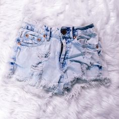 Light wash mid rise shorts Light denim wash ripped shorts from Pacsun. PacSun Shorts Jean Shorts