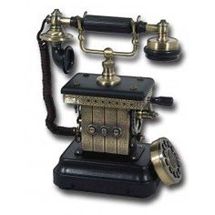 Amazon.com : Corded Old Style Home Phone - Land Line Crank Handle Elegant Novelty Phones 1920's Vintage Reproduction - Novelty House Phones Styled With Old fashioned Quality Built In - Fun Old Telephone Look - Decorator's Landline Telephones
