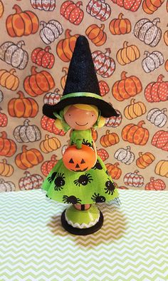 Tally Halloween Witch Miniature Wooden Clothespin Doll-SugarlandDollHouse