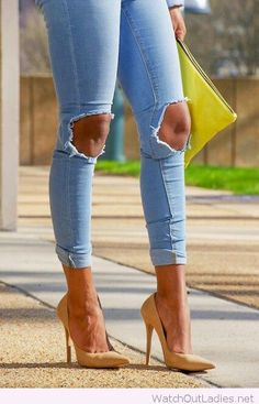 Light blue jeans with high heels