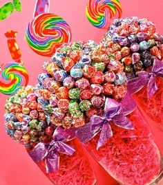 CANDY CENTERPIECES! Would be sweet for graduation or prom