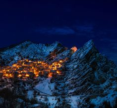 Castelmezzano, Italy pic by 12019 . Travel Abroad, Instagram Feed, Places To Travel, Mount Everest, Villa, Mountains, Night, Italy Art, Ladies Gents