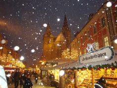 Snowfall at the Christmas Market in Ansbach, Germany.