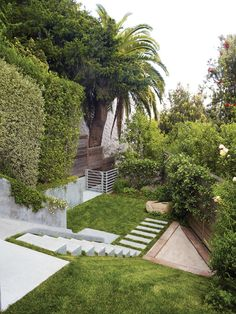 In this Buena Vista Heights backyard, landscape architect Eric Blasen composed a well-considered, minimal, multiterraced space.