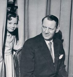 misshonoriaglossop:  King Frederik with his middle daughter Princess Benedikte
