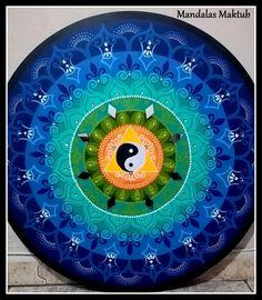 Mandala no mdf, 70c, acrílica. Arte de Rosangela Bavaresco