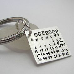 Groom's keychain. So he can never forget your anniversary...so cute!