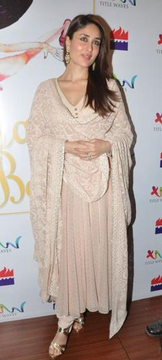 Kareena kapoor in a simple anarkali suit  ||Pinterest:@Revathy Bose ||✿。。ღคdamant love on Anarkali's ✿。。ღ||