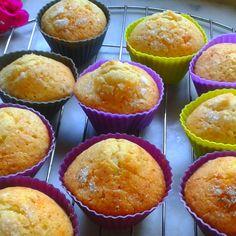 Empezamos la semana con magdalenas caseras ☕ Homemade Desserts, Muffin, Breakfast, Food, Home Made Cupcakes, Homemade, Deserts, Morning Coffee, Essen