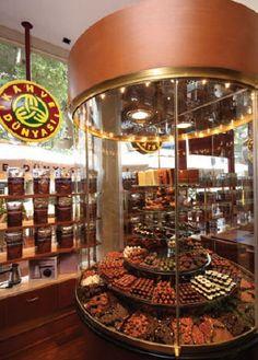Kahve Dünyası - Turkey - Apparently... the best coffee+chocolate shop ever!