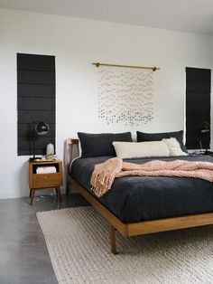 How to Design Your Bedroom for a Better Night& Sleep - The Effortless Chic furniture bedroom Bedroom Furniture Sets, Home Decor Bedroom, Home Furniture, Cheap Furniture, Furniture Layout, Modern Bedroom Sets, Discount Furniture, Furniture Design, Furniture Market