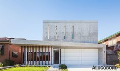 CRISP DESIGN ON LIMITED SITE - Project: Concord House_I, Concord | Australia - Architects: Studio Benicio, Newport Beach | Australia - Construction: Cassettes - Special Construction - Year of Construction: 2016 - Product: ALUCOBOND® White 16 - Photos: Katherine Lu