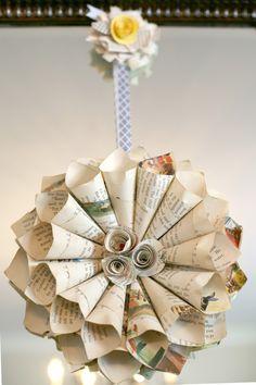 Guirlanda para decoração do chá de bebê feita com páginas de livro antigo! #decoração #festa #vintage