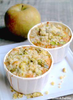 Muffins pommes airelles, crumble pistache »