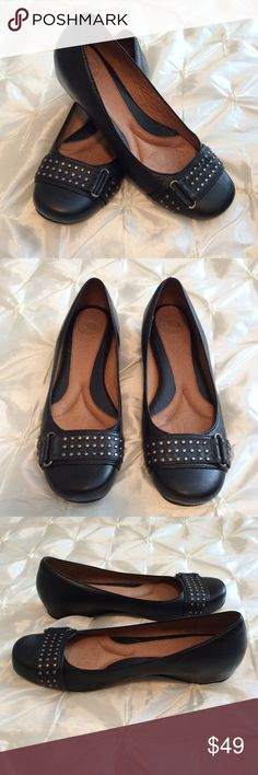 79a2606647b9 Nurture Black Leather Flats If you are looking for a pair of super comfy  flats with wedge and some arch support. Leather