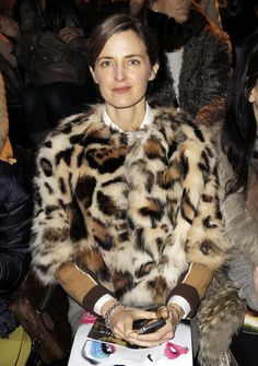 Amanda Brooks. Looks like printed fox jacket. VOGUE-UK-AMANDA-BROOKS-BARNEYS-FASHION-WEEK-STYLE-FRONT-ROW-RAG-BONE-FW-2012-13-LEOPARD-FUR-COAT-LAYERS-COLOR-BLOCK-SWEATER-.jpg 612×870 pix...