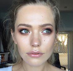 Eye Makeup Tips.Smokey Eye Makeup Tips - For a Catchy and Impressive Look Makeup Goals, Makeup Hacks, Makeup Inspo, Makeup Inspiration, Makeup Tips, Makeup Ideas, Makeup Trends, Glam Makeup, Makeup Tutorials