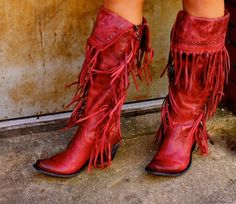 Liberty Black Tall Red Fringe Boot Liberty Black 39 s fabulous knee-high tall fringe boot Side zipper for easy on off access Wear above the knee or folded down High Heel Boots, Heeled Boots, Bootie Boots, Shoe Boots, Cowgirl Style, Cowgirl Boots, Western Boots, Mode Country, Over The Knee Boot Outfit