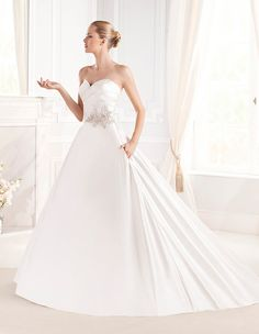 Eula wedding dress