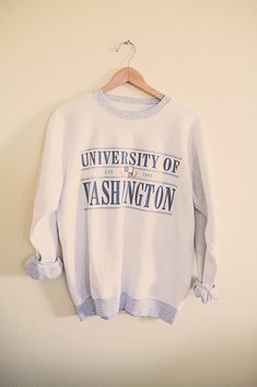 #UW #huskies #huskyfever #90's 80s College Sweatshirt University of Washington Huskies UW White  Sweatshirt Oversized Slouchy Comfy Size Large Printed inside out by 7CitiesVintage on Etsy