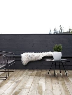 Before & After outdoors part 2 - Outdoor terrasse - Small Outdoor Spaces, Outdoor Rooms, Outdoor Sofa, Outdoor Gardens, Outdoor Living, Outdoor Furniture, Rooftop Gardens, Outdoor Patios, Outdoor Kitchens