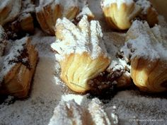 Haios (21) Camembert Cheese, Gem, Stuffed Mushrooms, Urban, Vegetables, Food, Stuff Mushrooms, Essen, Jewels