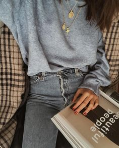 55 Trendy ideas for fashion style ideas outfits grey Fashion Moda, Look Fashion, Fashion Outfits, 90s Fashion, Fall Fashion, Catwalk Fashion, Jeans Fashion, Fashion Pics, Grey Fashion