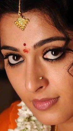 Stunning Bollywood Actress Hot Photos, Indian Bollywood Actress, Beautiful Bollywood Actress, Indian Eyes, Indian Face, Indian Actress Images, South Indian Actress Hot, Beautiful Indian Brides, Most Beautiful Indian Actress