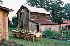 rustic virginia setting..lovin the barn too...