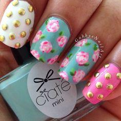 @gabbysnailart - Lily Pulitzer inspired flower nails