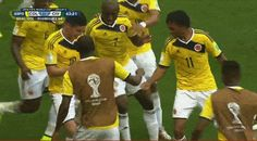 How To Dance As Awesomely As The Colombian Soccer Team James Rodriguez Soccer Gifs, Soccer Memes, Soccer Quotes, Messi Y Ronaldinho, Messi Gif, James Rodriguez, Football Is Life, Football Soccer, Lionel Messi