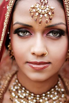 Beautiful Indian Woman - faces of the people