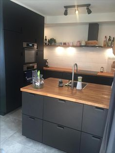 Kitchen with cabinets of ikea and an oak wooden top - # leaf .- Keuken met kastjes van ikea en een eiken houten blad – Kitchen with cupboards from ikea and an oak wooden top – # oak - Dark Kitchen Cabinets, Ikea Cabinets, Kitchen Dining, Kitchen Decor, Kitchen Ideas, Ikea Small Kitchen, Dining Room Design, Interior Design Kitchen, Black Kitchens