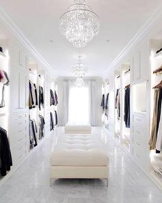 Find the perfect closet for your interior design project. Find the perfect closet for your interior design project. Discover our entire collection of luxury Walk In Closet Small, Walk In Closet Design, Walk In Wardrobe, Closet Designs, Tiny Closet, Master Closet Design, Ikea Wardrobe, White Wardrobe, Wardrobe Capsule