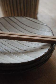 岩崎晴彦「粉引線文丸小皿」の詳細ページです。