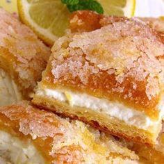 http://www.bunsinmyoven.com/2016/09/06/pumpkin-crunch-cake-recipe/