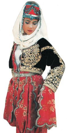Traditional festive costume from the Aydın province.  Clothing style: 1900-1925.